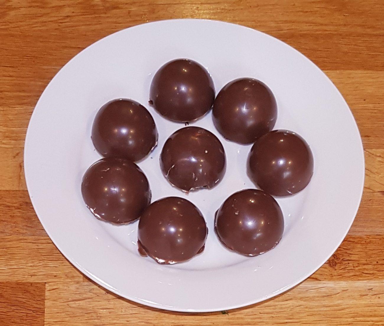 Chocolate tea cakes